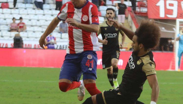Süper Lig: FT Antalyaspor: 0 – Yeni Malatyaspor: 0 (İlk yarı)
