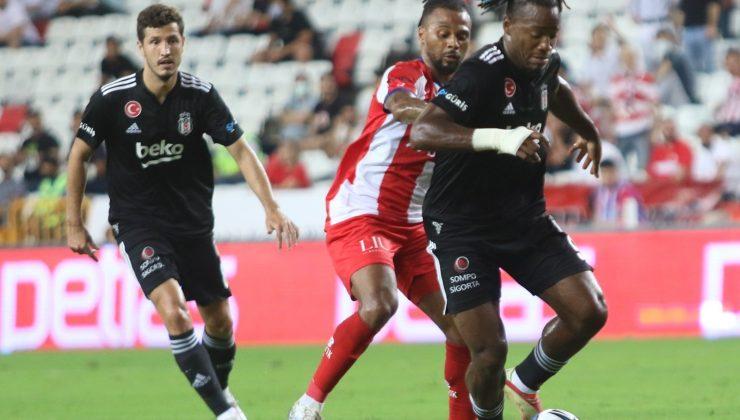 Süper Lig: FT Antalyaspor: 2 – Beşiktaş: 0 (İlk yarı)