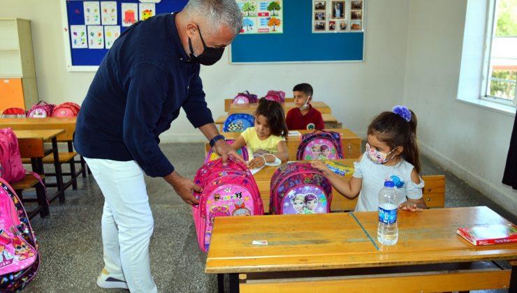 Yangınzede çocuklara eğitim seti desteği