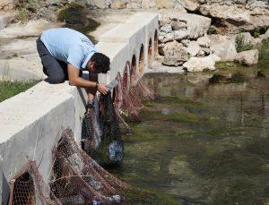 Yüzey suyu atık kapanı projesi ile haftada 65 kilo atık toplanıyor