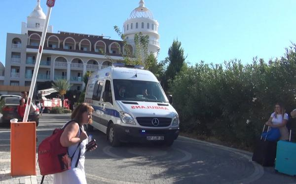 Antalya'da otelsaunasında yangın; 3 kişi dumandan etkilendi