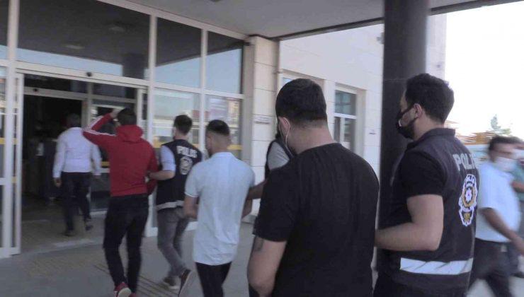 Antalya'da yakalanan galeri hırsızlarından 2'si tutuklandı