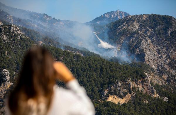 Antalya'daki orman yangını, Göynük Kanyonu'na ilerliyor (2)