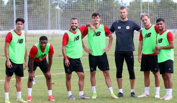 Antalyaspor, 1 günlük iznin ardından Başakşehir hazırlıklarını sürdürecek