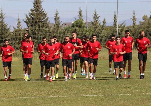 Antalyaspor'da bir sevinç, bir üzüntü