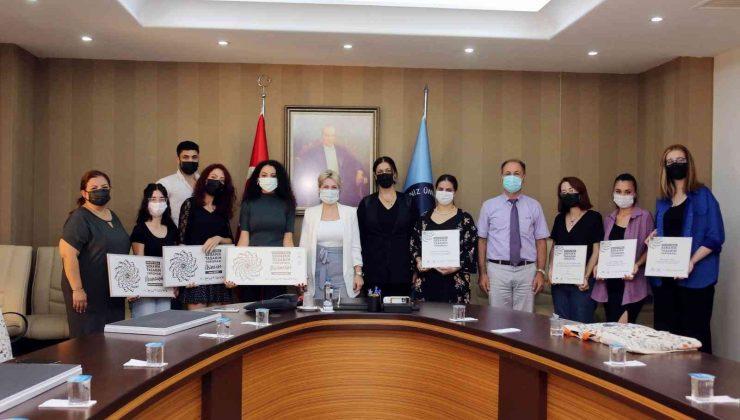 AÜ'nün Mimarlık Fakültesi öğrencileri öğrencileri ödülleri topladı