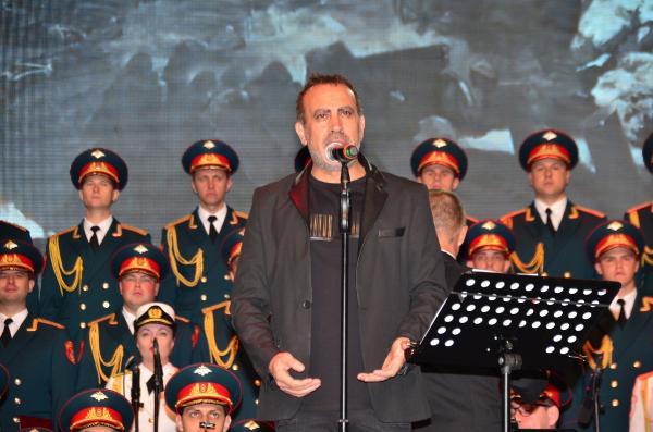 Haluk Levent, Rus Kızılordu Korosu ile Manavgat'ta konser verdi