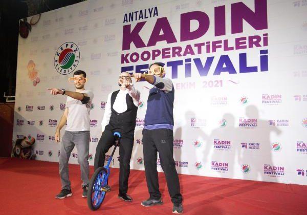 Kepez'de renkli festival sürüyor