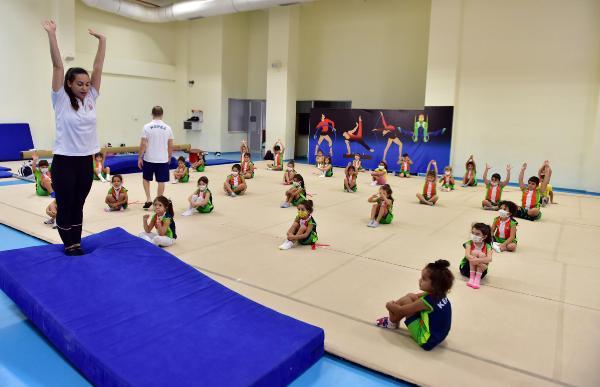 Kepez'in cimnastik kursuna ilgi büyük