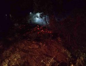 Kumluca'da 3 ayrı yerde eş zamanlı çıkan yangın büyümeden söndürüldü