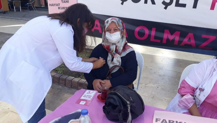 Kumluca'da meme kanseri farkındalık etkinliği