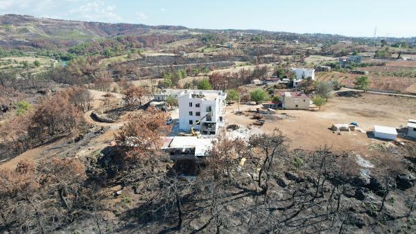 Manavgat'ta yanan evler bağışlarla yenileniyor
