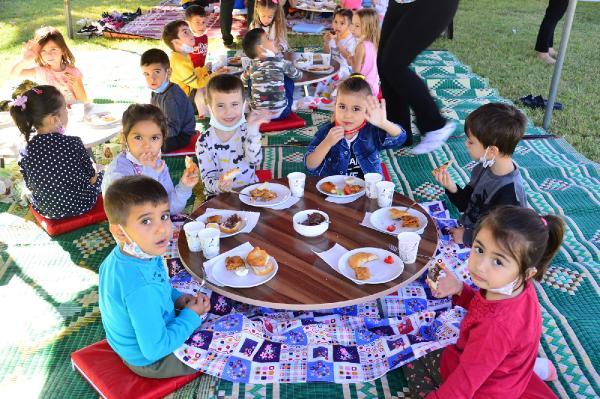 Taşağıl Kreşi'nde, 'köy kahvaltısı' eğlencesi