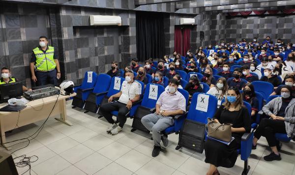 Trafikte 'Okul ve Jandarma Elele Birlikte Güvenli Geleceğe