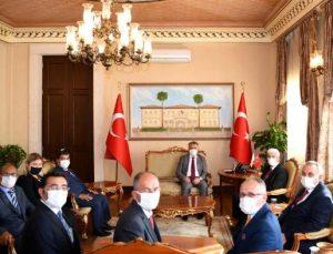 Vali Yazıcı: Antalya'da ikinci aşılamada yüzde 90'lara çıkmamız gerekiyor