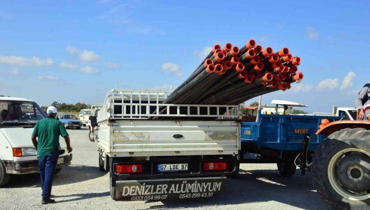 Yangınzede 384 üreticiye sulama borusu desteği